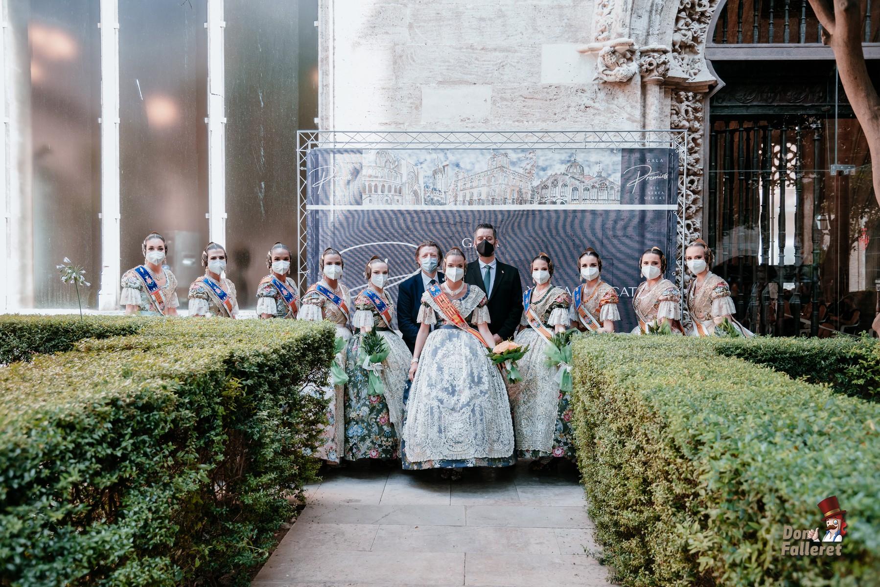 La Corte de Honor de la Fallera Mayor de València también estuvo presnete en el acto. Foto: Fran Adlert/Don Falleret