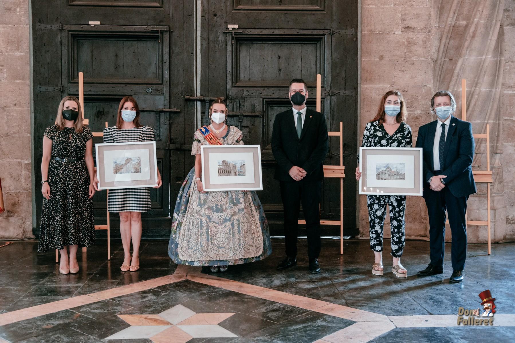 Posado de los Galardonados con los 1º Premios La Seu-Xerea-Mercat. Foto: Fran Adlert/Don Falleret