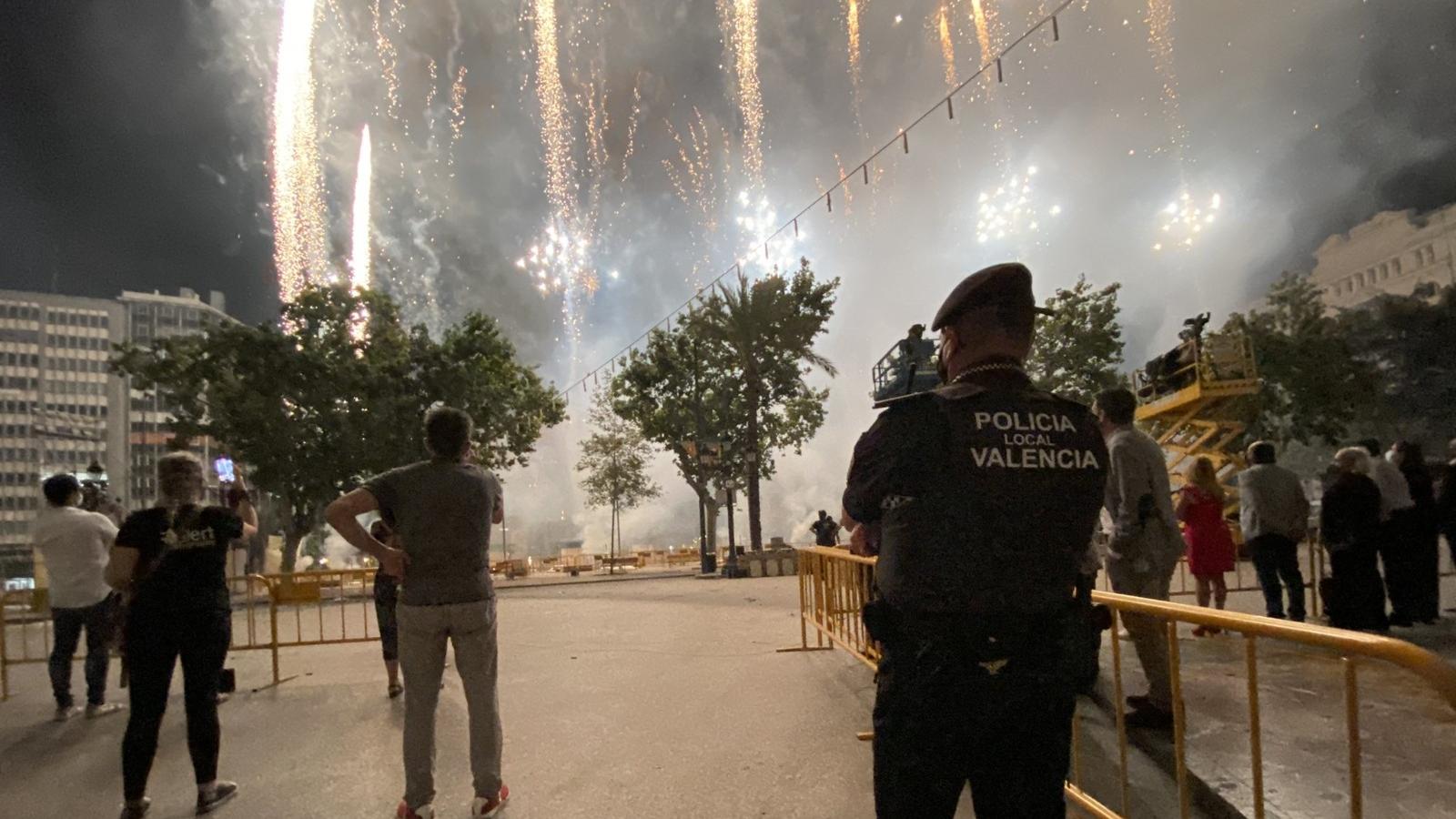 • Policia Local de la Unitat de convivència (UCOS) durant el castell